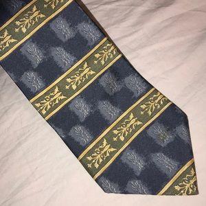 Bill Blass Blues Olive Green Gold Pattern Neck Tie